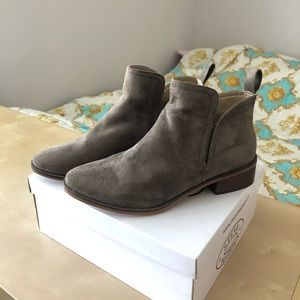 Steve Madden Light Brown Suede Booties